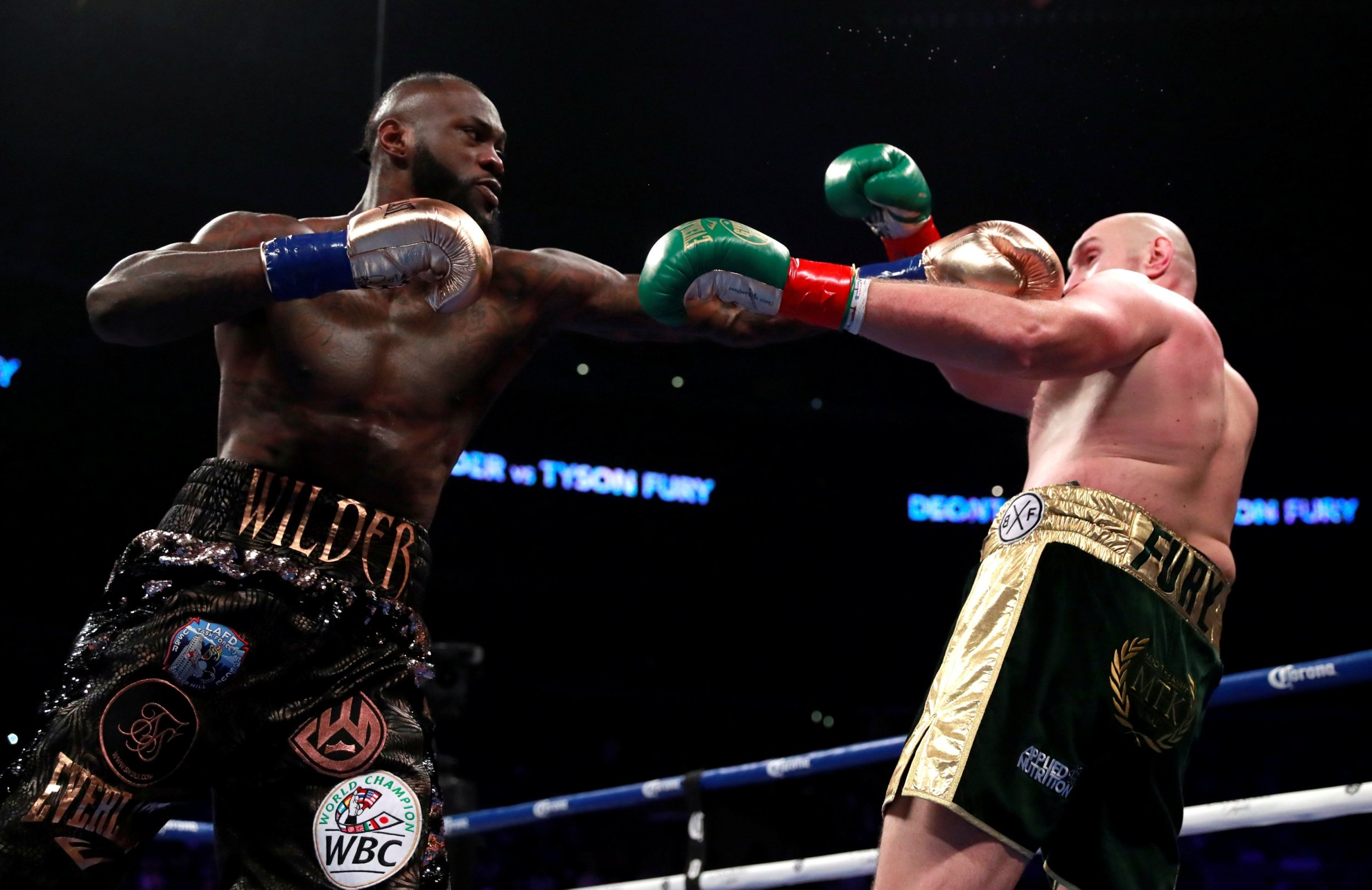Deontay Wilder retains heavyweight title, defeats Tyson Fury via split draw