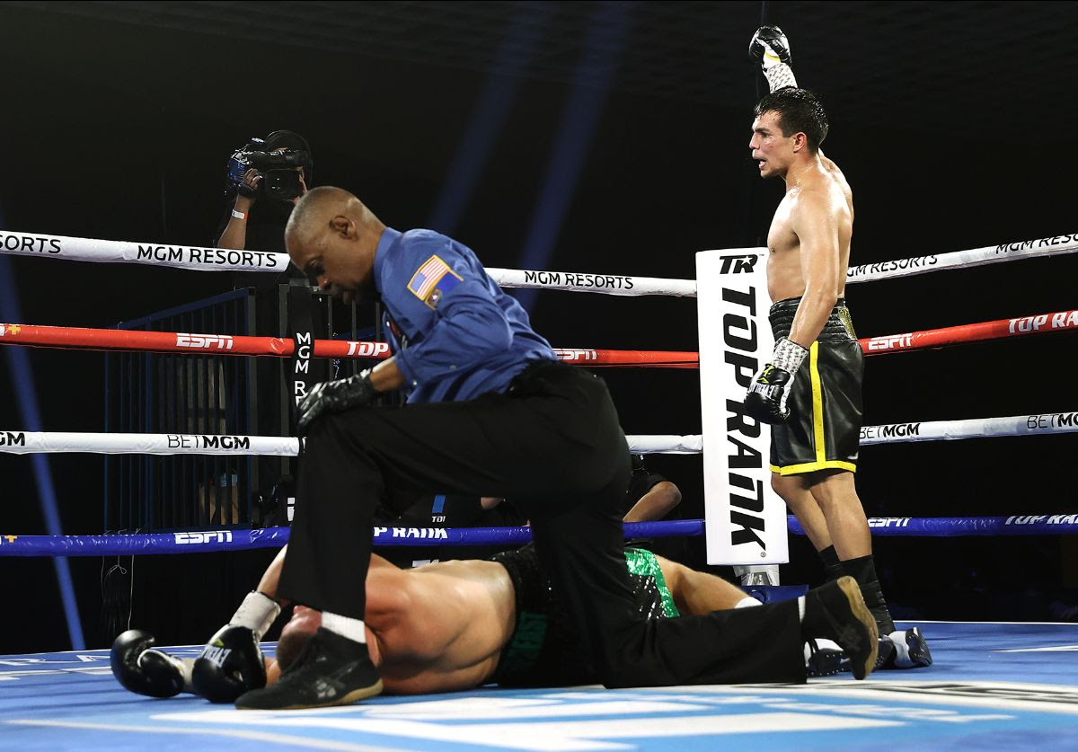 Jose Zepeda overcomes Ivan Baranchyk in contest which produced eight knockdowns